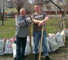 16 апреля. День окружающей среды. Собрали много мусора.2012