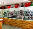 В салоне представлен широкий спектр новых мобильных телефонов, от самых простых (кнопочных),до самых современных (сенсорных) по интернет ценам