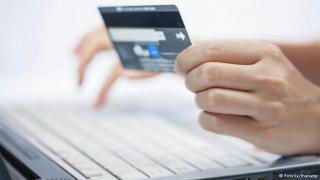 У Сєвєродонецьку поліція викрила шахраїв, які оформлювали фальшиві онлайн-позики