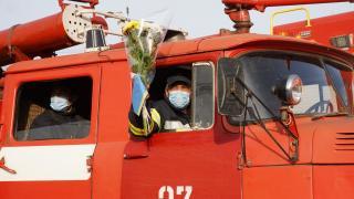Сьогодні всі охочі подякували рятувальникам за їх пекельний тиждень