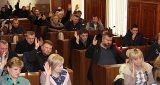 «Северодонецкий переворот» — депутаты отстранили мэра, требуют уволить и.о. губернатора