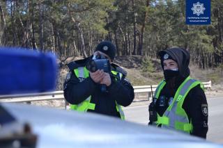 Збільшується кількість ділянок, де патрульні контролюватимуть дотримання швидкісного режиму водіями