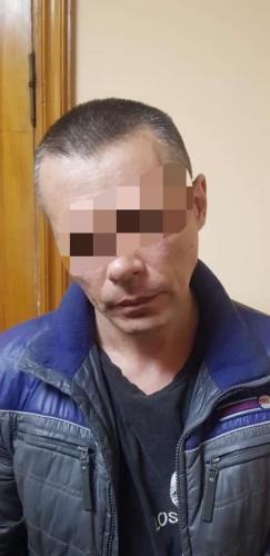 Поліцейські затримали чоловіка, який зґвалтував 6-річну дівчинку