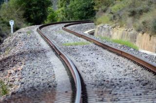 В Рубежном закроют железнодорожный переезд