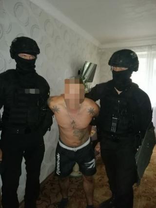 В м. Сєвєродонецьк поліцейські затримали чоловіка за підозрою у вчиненні тяжкого злочину