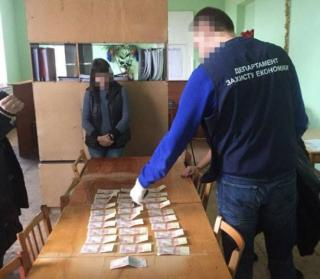 Замдекана одного из луганских вузов может получить от 5 до 10 лет тюрьмы