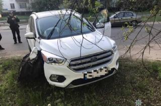 ДТП в Северодонецке: водитель Ford снёс электроопору