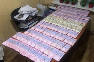 СБУ разоблачила чиновников на систематиченском получении взяток