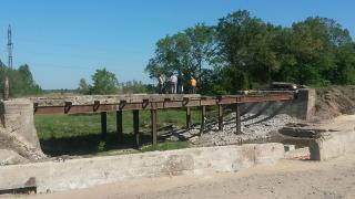 Начался ремонт пойменного моста на дороге от Северодонецка к Лисичанску