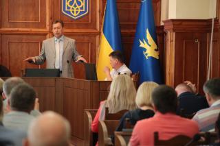 Комарницкий предложил мэрии сделать областную больницу на базе городской в Северодонецке