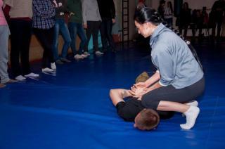 Бесплатный Тренинг по самообороне для женщин