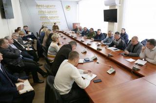 Обласна влада вимагає невідкладно відновити електропостачання об'єктів Концерну РРТ