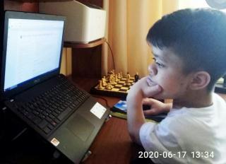 Шахматисты Луганщины приняли участие в  онлайн-чемпионате мира среди людей с  инвалидностью
