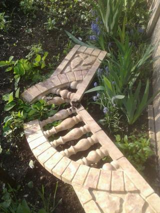 Вандалы разбили забор возле Храма-часовни
