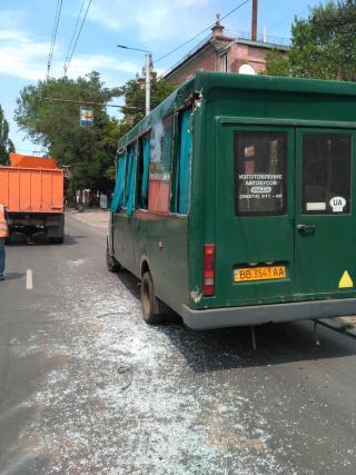 Произошло ДТП с участием маршрутки и мусоровоза