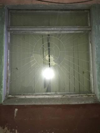 Поліцейські охорони Луганщини затримали крадія в медичній лабораторії